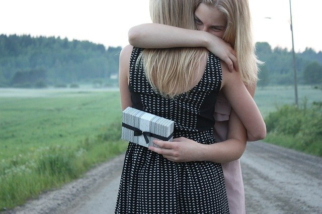 Happy hug day image For Friend